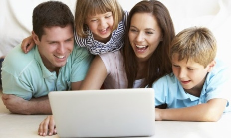 familia-compuatdor-internet-22636