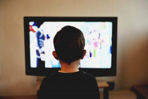 kind-kijkt-tv-1024x681