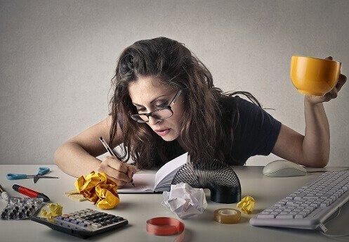 mujer-haciendo-varias-tareas