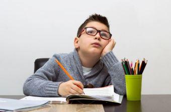 Cómo-detectar-el-déficit-de-atención-en-los-niños.jpg