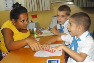 Autismo-Escuela-especial-Dora-Alonso-de-Marianao-Cuba-2.x70014.jpg